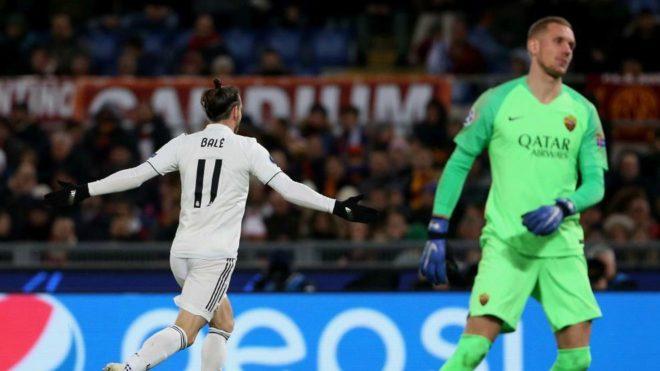 Gareth Bale celebrates after opening the scoring