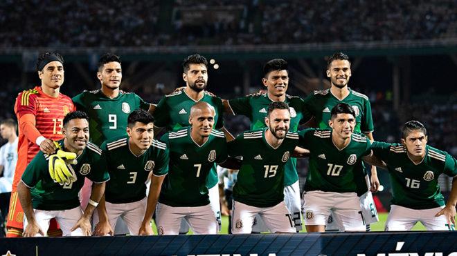 El Tri durante uno de los amistosos ante Argentina