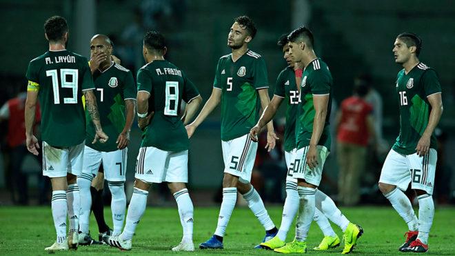 La selección se lamenta tras la derrota ante Argentina