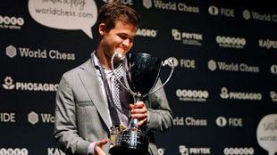 Magnus Carlsen tras conquistar el Mundial ante Caruana en Londres.