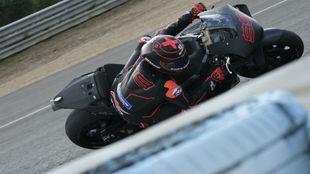 Lorenzo, durante los test ayer en Jerez