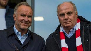 Karl-Heinz Rummenigge junto al presidente del Bayern Munich  Uli...