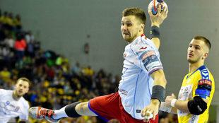 Selvasiuk, del Meshkov, en una partido contra el Kielce del grupo A /