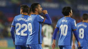Ángel, celebrando uno de sus goles al Córdoba.