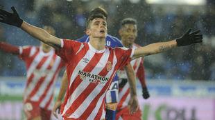 Eric Montes, celebrando el gol del empate en el descuento en el...