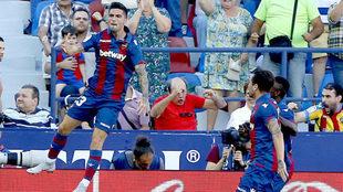 Jason celebra un gol con el Levante.