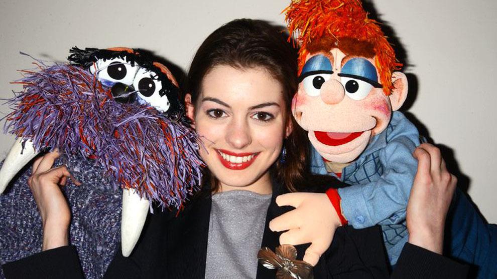 Anne Hathaway negocia protagonizar 'Barrio Sésamo'