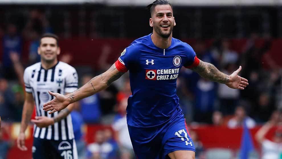 Mendez festeja su gol ante Rayados en la jornada 12 del Apertura 2018. 92146d3b71a10
