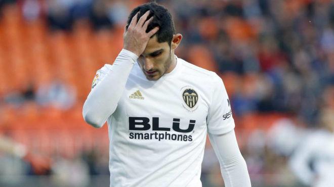 Guedes, durante un partido con el Valencia.