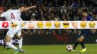 Rique Puig da el pase a Denis Suárez para el 4-1