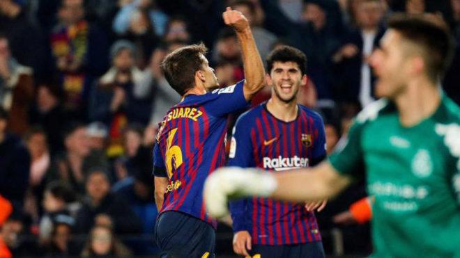Denis Suárez celebra con rabia su primer gol a la Cultural Leonesa.