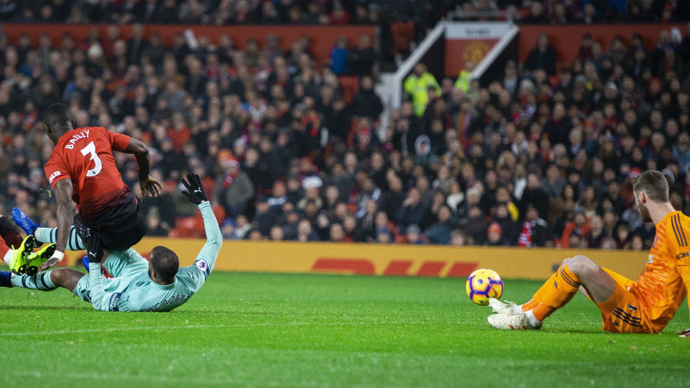 Premier League wrap Manchester United battle back to draw with Arsenal