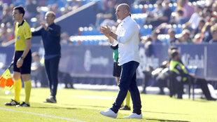 Paco López, durante el partido ante el Lugo.