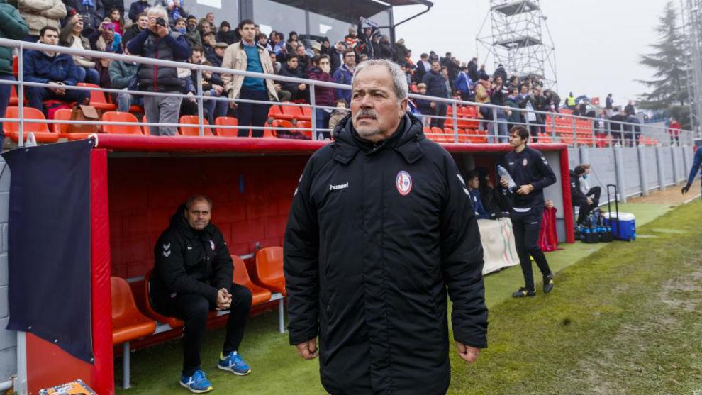Antonio Iriondo, antes de comenzar el partido Majadahonda-Deportivo en...