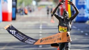 Abraham Kiptum, en el momento de ganar el Medio Maratón de Valencia.