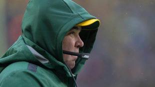 Mike McCarthy observa la derrota de los Packers ante Arizona