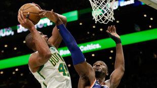 Vibrante duelo en la NBA.