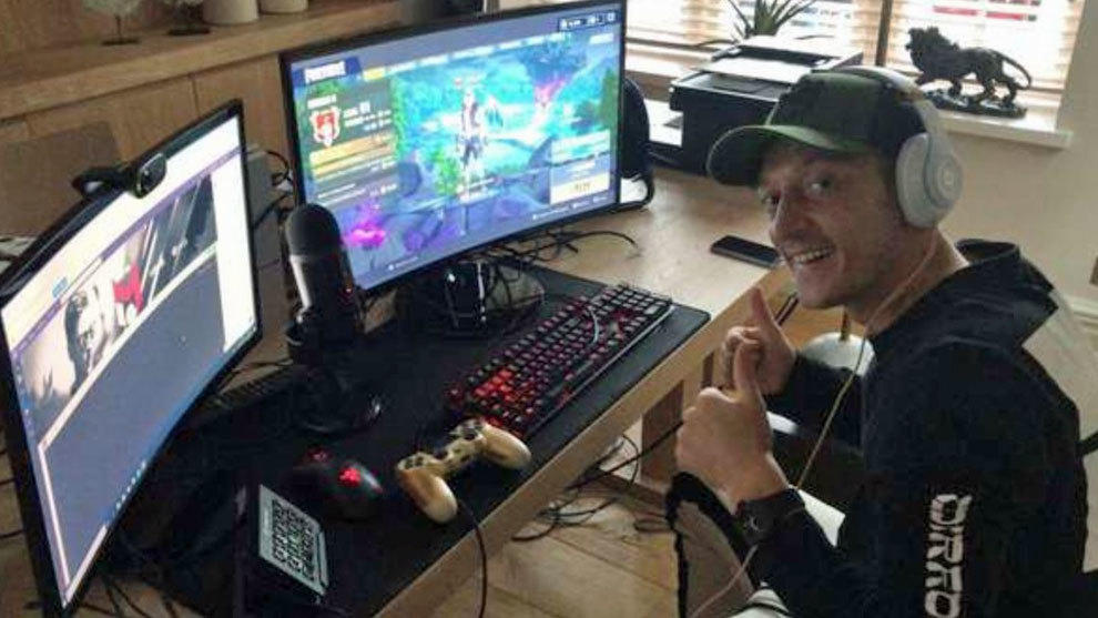 Ozil's back injury blamed on Fortnite addiction