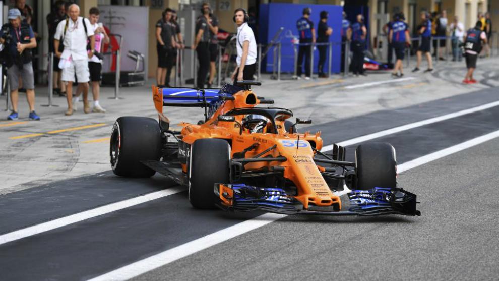 Carlos Sainz con el McLaren MCL33.