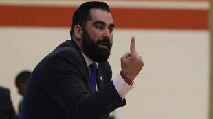 Díaz dirigió a la selección en los primeros cuatro juegos de las...