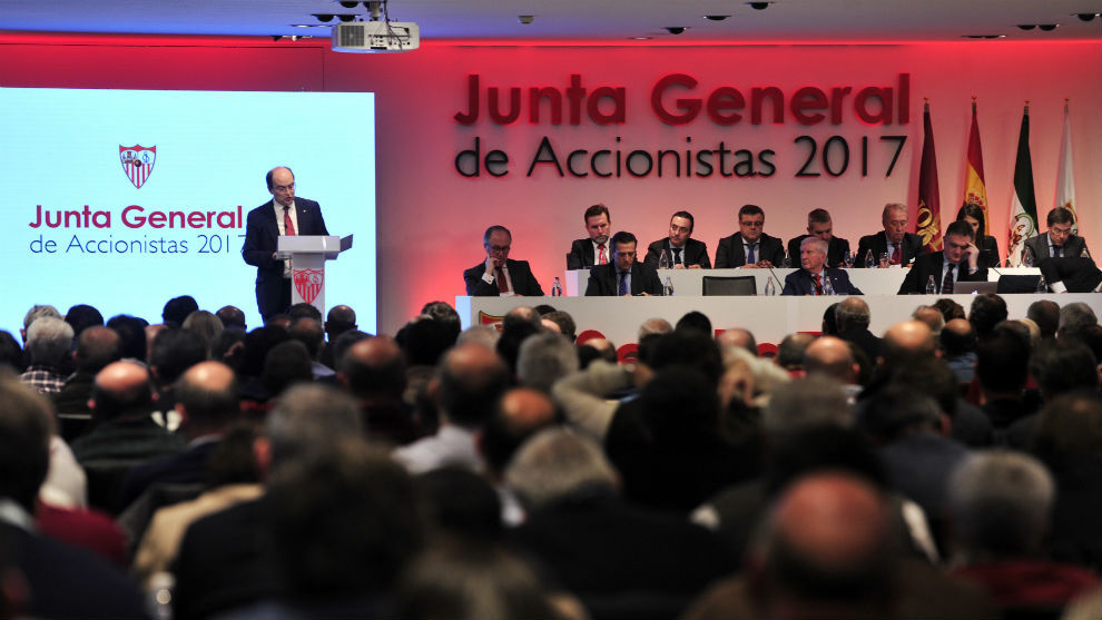 Imagen de la pasada Junta General de Accionistas del Sevilla.