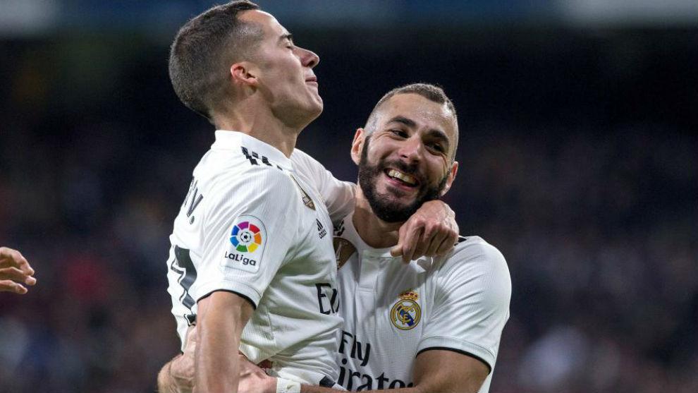 Benzema celebra un gol tras asistir a Lucas Vázquez