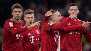 Los futbolistas del Bayern celebran uno de los tantos al Núremberg