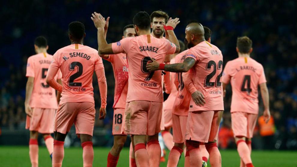 La plantilla del Barça celebra uno de los tantos.