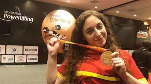 Loida Zabala posa con el oro en el Open de las Américas