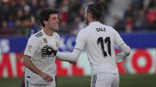 Odriozola felicita a Bale por el gol.