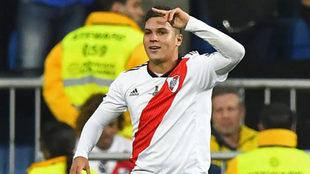 Quintero celebra un gol con River.