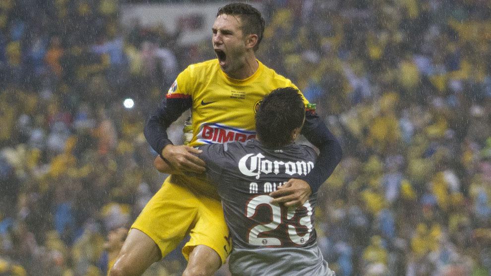 Layún y Muñoz, protagonistas de la última final Cruz Azul vs...