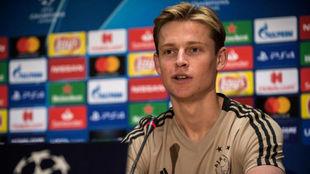 De Jong, en una rueda de prensa.