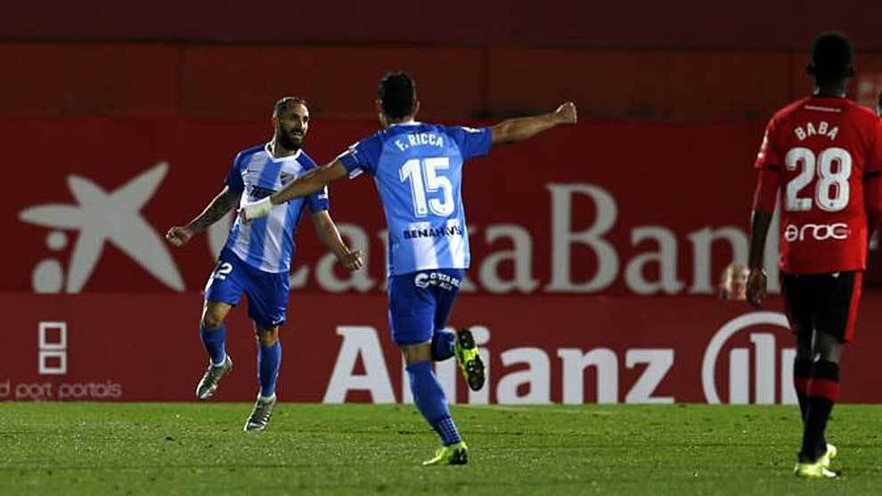 Cifu celebra el segundo y definitivo gol del Málaga en Son Moix