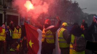 """Más de 300 arrestos en París de los """"chalecos amarillos"""""""