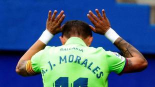 Morales se disculpa tras marcar en Ipurúa.