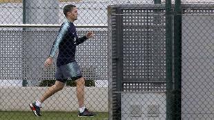 Vermaelen durante un entrenamiento con el Barcelona.