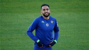 Ryad Boudebouz, en un entrenamiento del Betis.