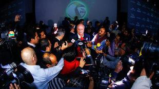 Bonilla atendió a la prensa durante la presentación del nuevo balón