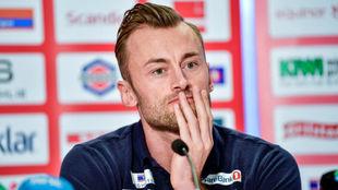 Petter Northug anuncia a los medios su retirada.