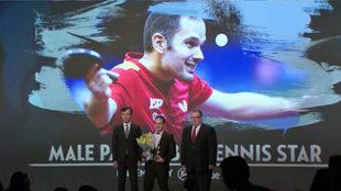Jordi Morales, recibiendo el premio en Seúl