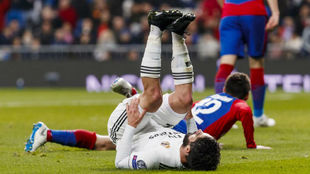Isco on the ground.
