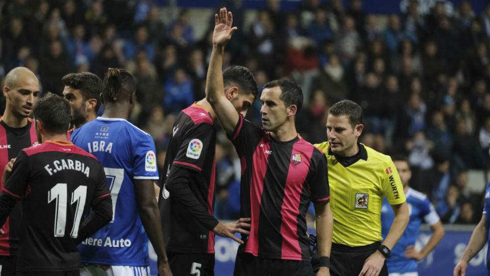 Linares, en un partido con el Reus.
