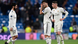 Los jugadores del Madrid lamentando la derrota ante el CSKA de Moscú.