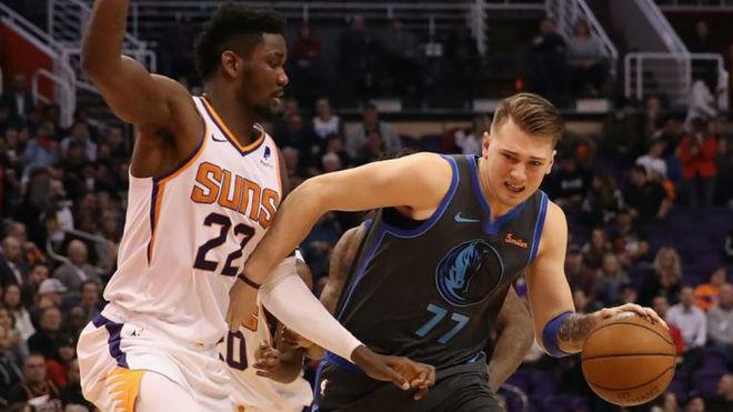5633aa62198 NBA  Suns vs Mavs  Un Doncic terrenal no puede regalar la victoria a ...