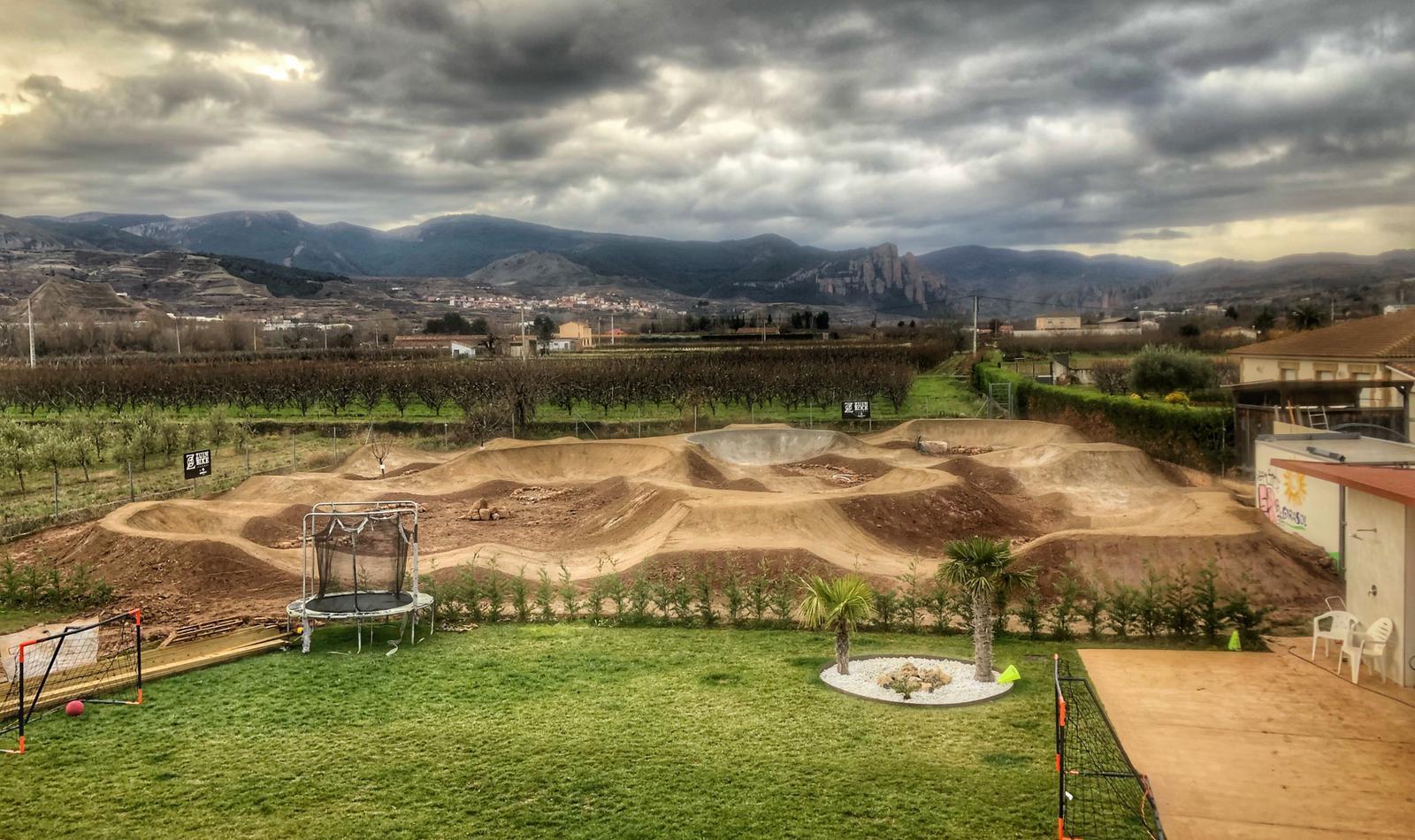 El circuito de BMX en casa de Coloma.
