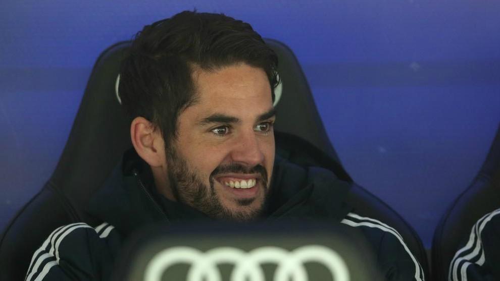 Real Madrid Volvió a ser  suplentísimo  con Solari y ni siquiera calentó en  la banda como el resto de jugadores 8e877ac7b40