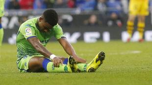 Junior fue sustituido en el Espanyol-Betis por una lesión muscular.