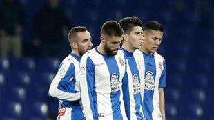 Varios jugadores del Espanyol, cabizbajos