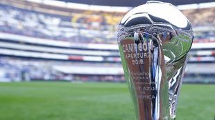 Trofeo del Apertura 2018 previo a la final de vuelta entre Cruz Azul y...